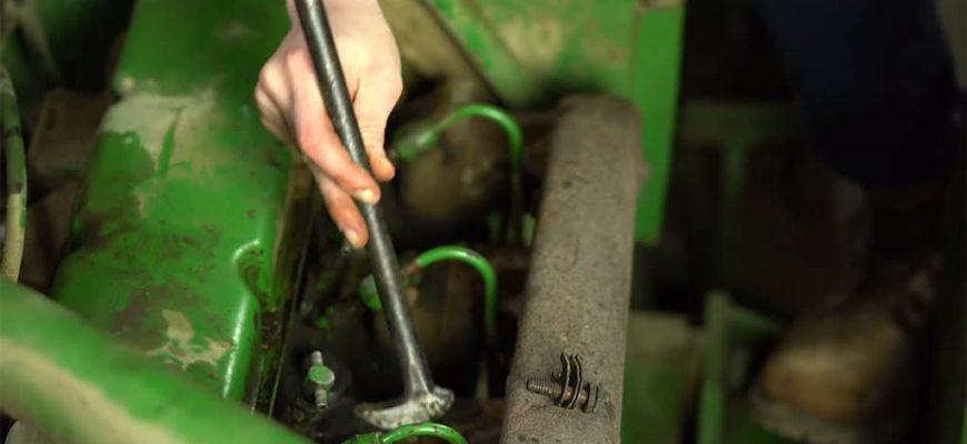 remove the injectors on a john deere 4620